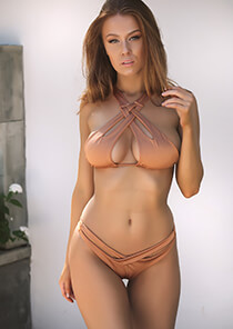Cut Out Halter Bikini Top in Suntan 277-7150-92200