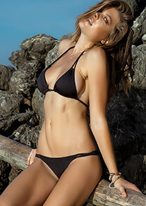 Naturale Seamless 2-String Triangle in Black 227-7020-73400