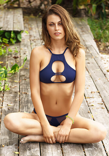 Strappy Cutout Crop in Navy 277-6320-92700