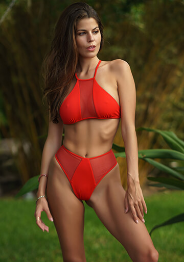 Mesh Insert Halter in Red Coat 277-6550-92400