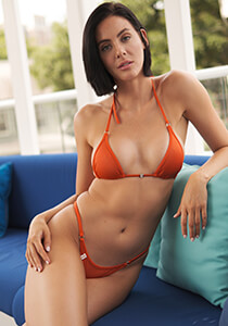 Classic Enhanced Cut Triangle Top in Rust 222-7370-72000